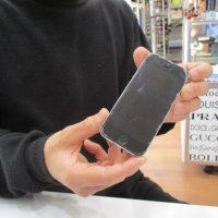 iPhone5sのバッテリー交換
