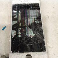 iPhone8のフロントガラス割れ修理!